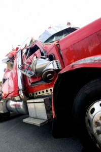 Truck Accident News: Two tractor-trailers collided, injured one driver