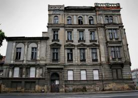 Bronx landlord faces lawsuit: tenants say lack of repairs dangerous, unhealthy