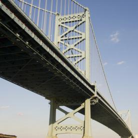 Philadelphia PA boat crash: Barge hits tourist boat, boat sinks, 2 missing