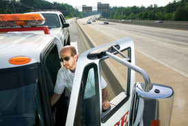 Paramedic, Tow Truck Driver Injured in Accident on I-87