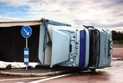 Truck Accident Report: New York semi overturns in Medina and spills fuel!